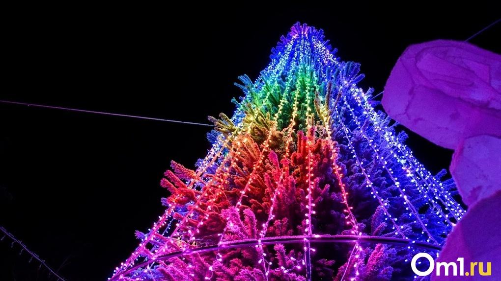Омичам показали, какое праздничное оформление будет на Новый год у города