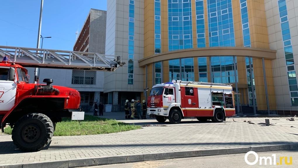 В Омске загорелся один из корпусов ОмГУ (фото)