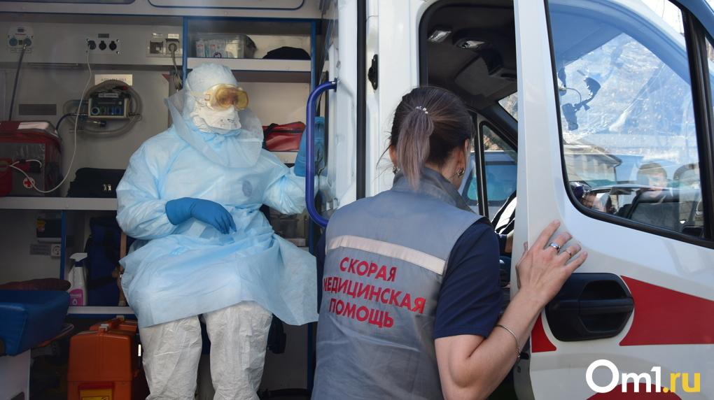 Константин Хальзов: «Позитивная тенденция по борьбе с коронавирусом сохраняется в Новосибирской области»