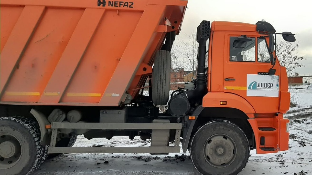 Дороги Новосибирской области чистят от снега более 800 единиц снегоуборочной техники