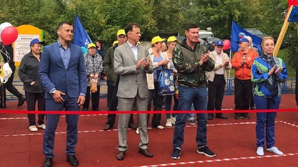 В Дзержинском районе Новосибирска открыли детский игровой комплекс