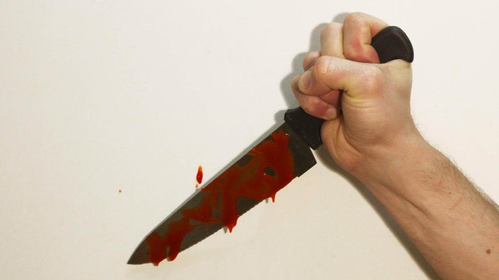 Новое знакомство обернулось для омича ударом ножа в живот