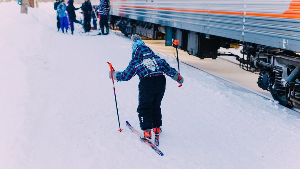 Новосибирцам к 8 Марта предлагают купить путевки на поезд «Зимняя сказка»