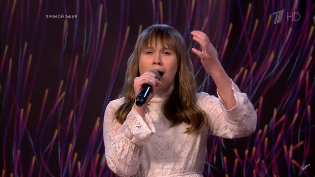 Новосибирская школьница с фантастическими вокальными данными заняла второе место в шоу «Голос. Дети»