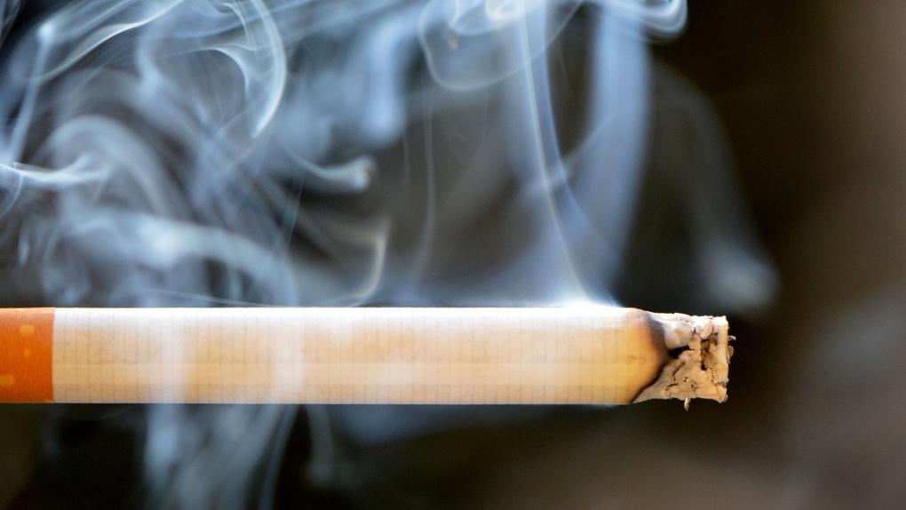 COVID-19 ударит по карману курильщиков: в России предложили ввести повышенный акциз на сигареты и вейпы