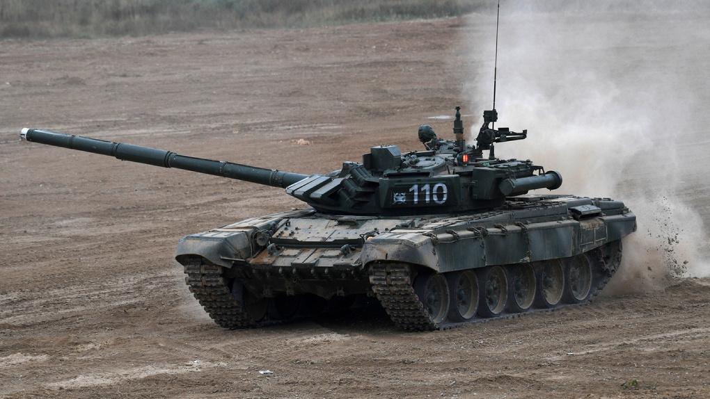 В Омский инженерный институт поступили три боевых танка