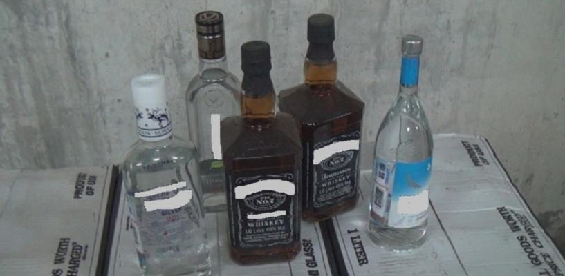Омич продавал поддельный алкоголь под видом элитного виски