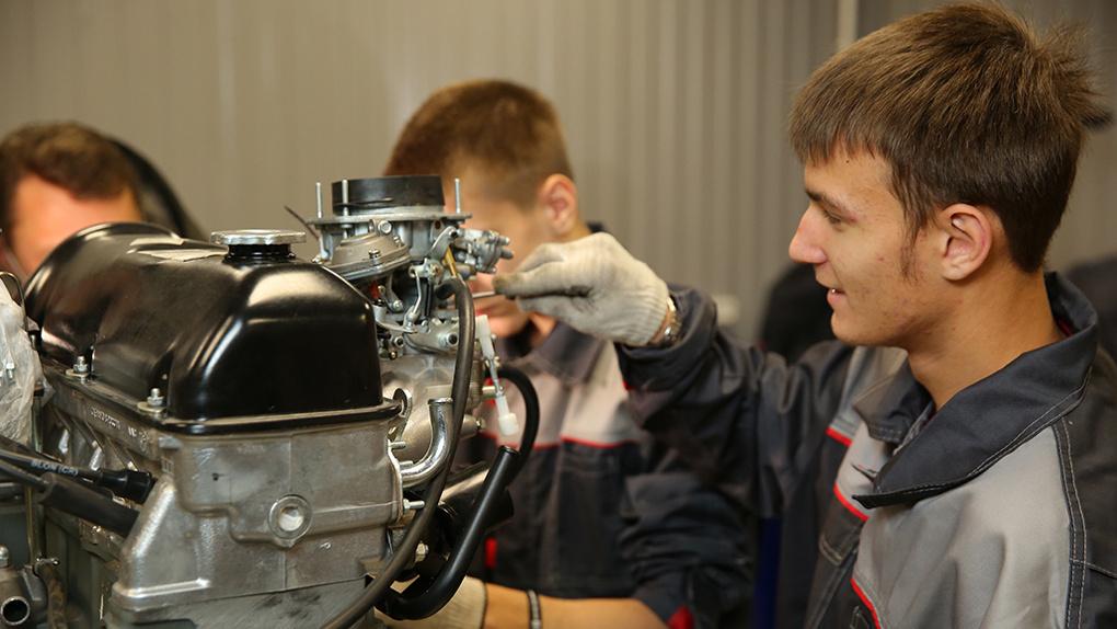 Военному делу и автомеханике начали обучать детей в новосибирском центре «Жемчужина»