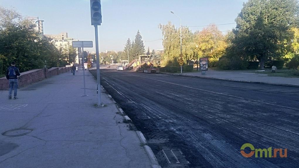 Перед открытием Юбилейного моста решили перестелить улицу Лермонтова