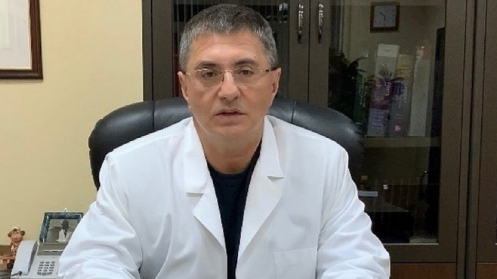 Доктор Мясников сравнил антипрививочников с геями