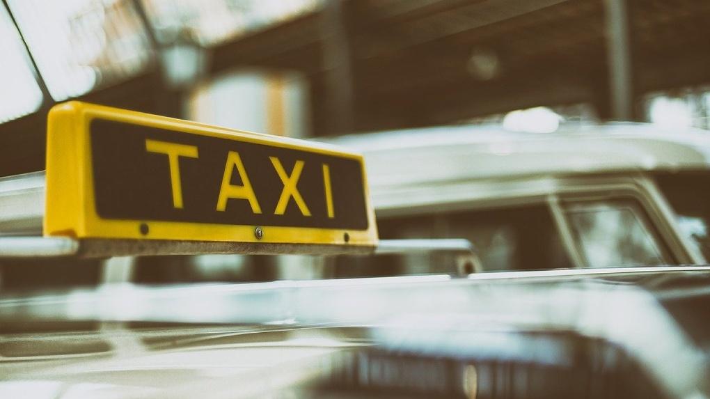 Сбер и Mail.ru Group организуют бесплатное такси для врачей