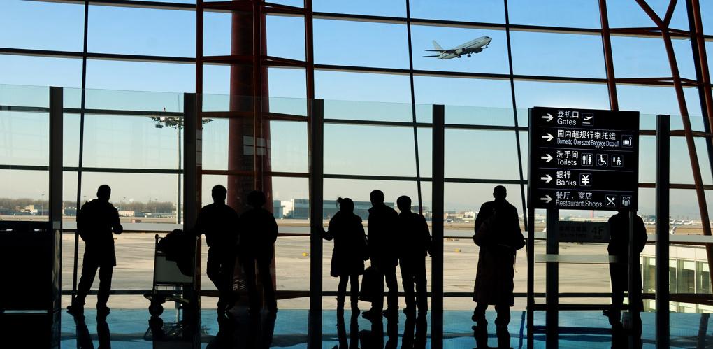 Авиакомпания «ИрАэро» извинилась перед омичами за задержку рейсов