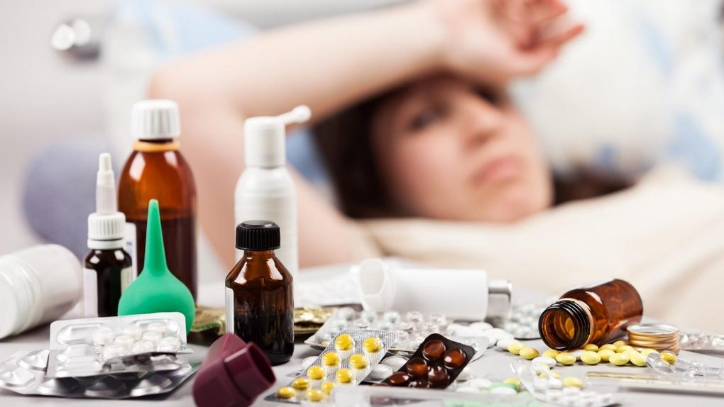 Минзрав объяснил, в каких случаях непривитые от гриппа омичи могут не ходить на работу