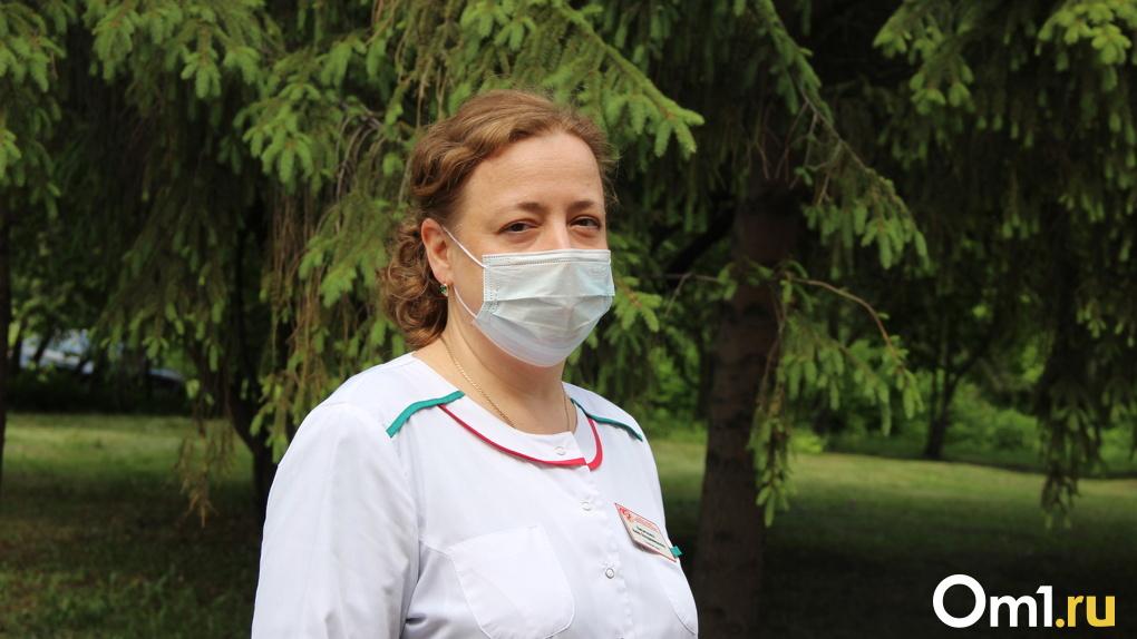 В омскую больницу, где лечат «ковидных» пациентов, требуются врачи. Зарплату обещают «достойную»