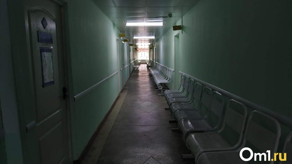 Жили, как в тюрьме. Омскую семью, где убили 3-летнего малыша, органы опеки упрятали в больницу