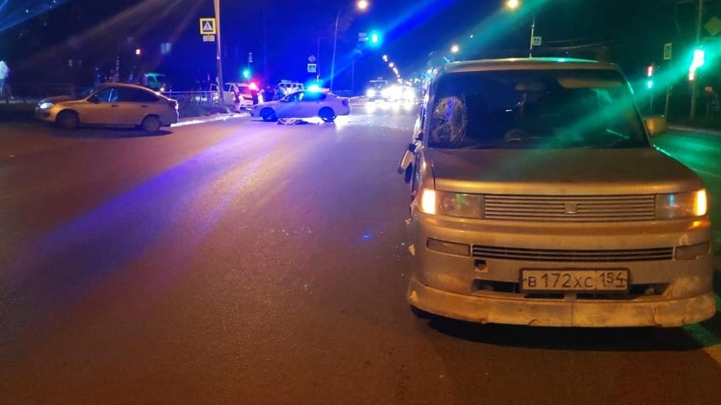 Смертельное ДТП в Новосибирске: 30-летний мужчина погиб под колёсами иномарки