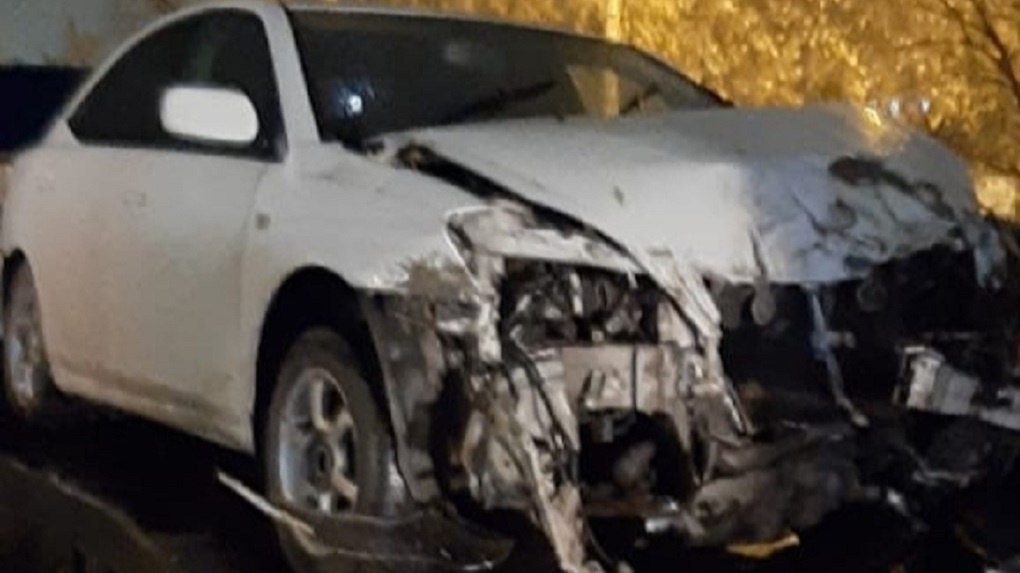 В Омске в пассажирскую маршрутку влетела иномарка. Пострадали семь человек