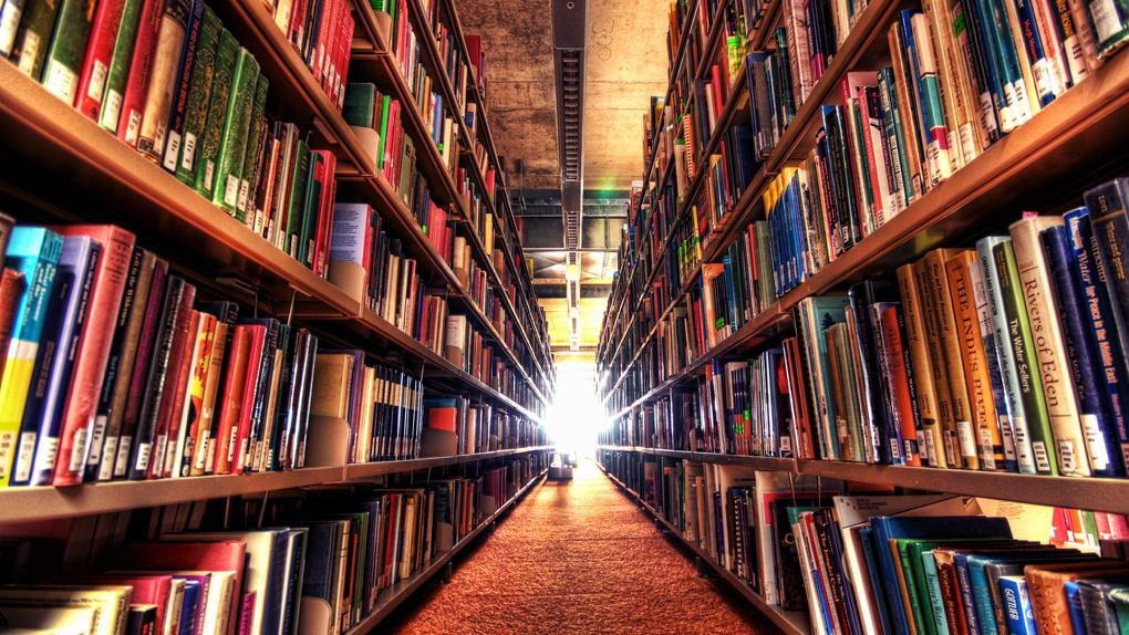 Омичей просят поделиться книгами со сгоревшей библиотекой