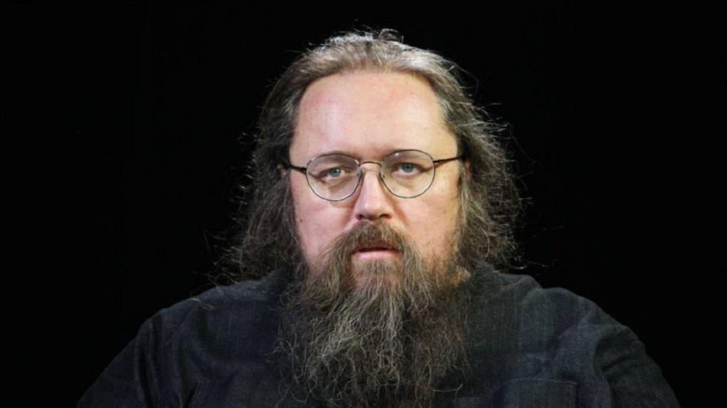 Цинизм и безнравственность: за что лишают сана священника Кураева, защищавшего новосибирский «Тангейзер»
