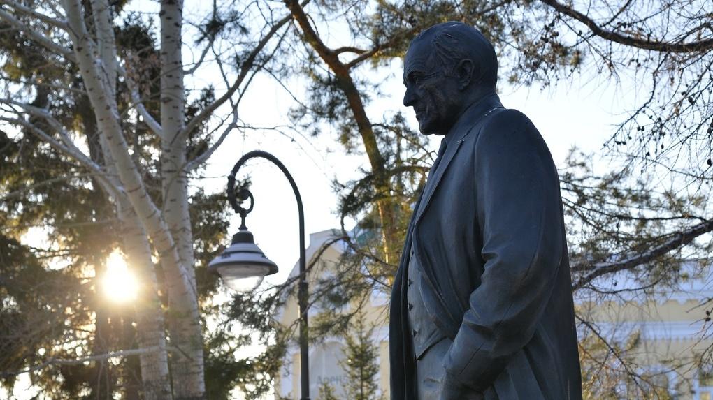 В Омске отметили День Рождения Михаила Ульянова