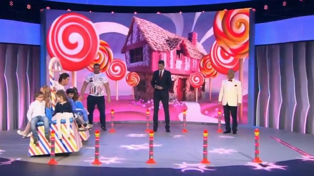 В эфире «Первого канала» Якубович поднял омичку на плече, после чего она установила новый рекорд России