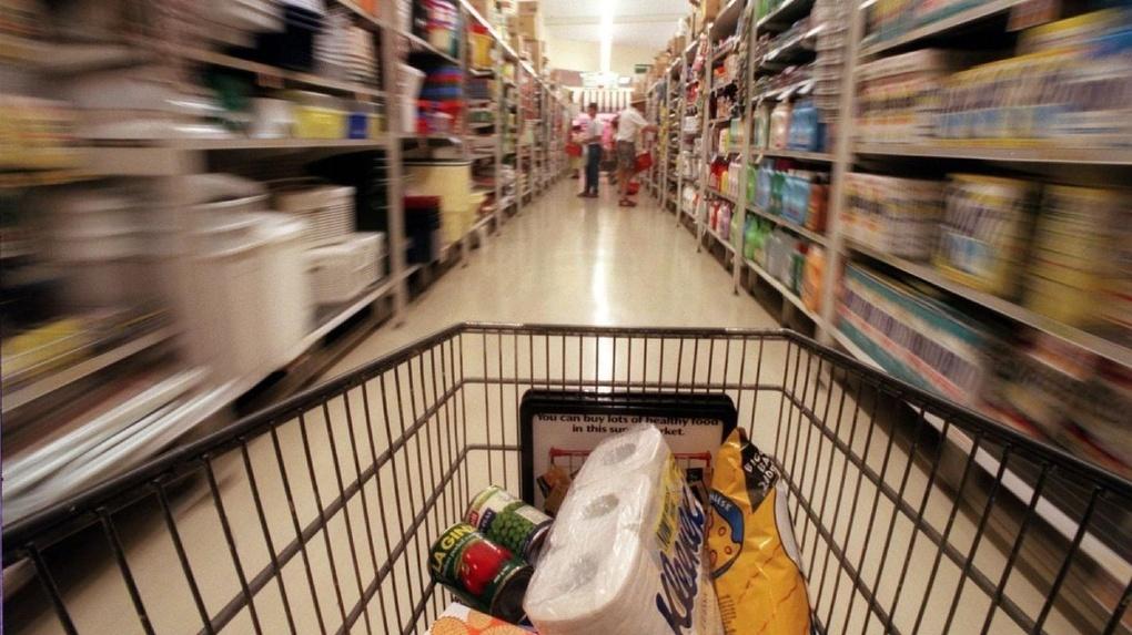 Хитрые схемы и мифические акции: как не «подарить» свои деньги супермаркету