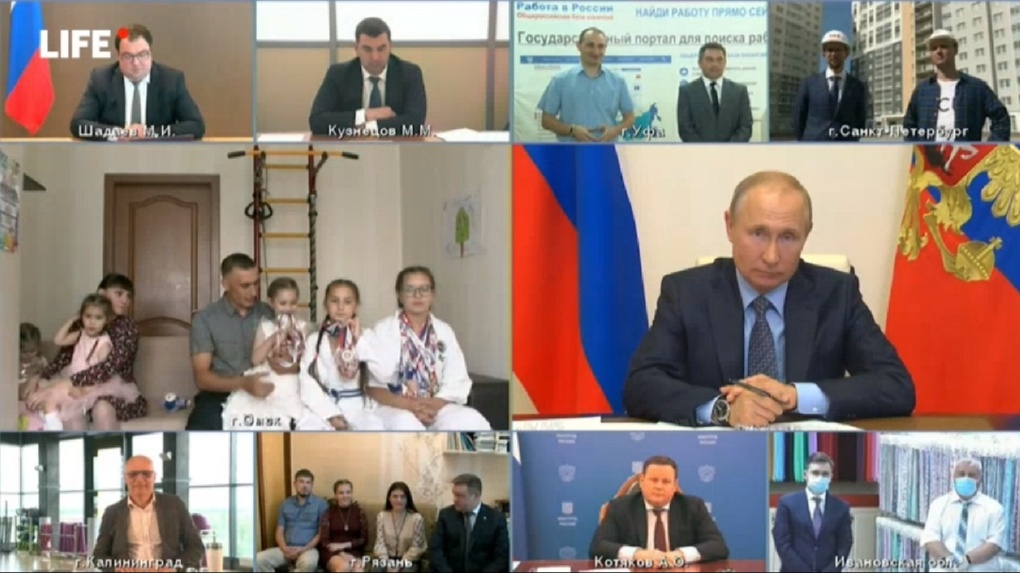 Омская семья, получившая 120 тысяч «антикризисных» рублей приняла участие в совещании с Путиным