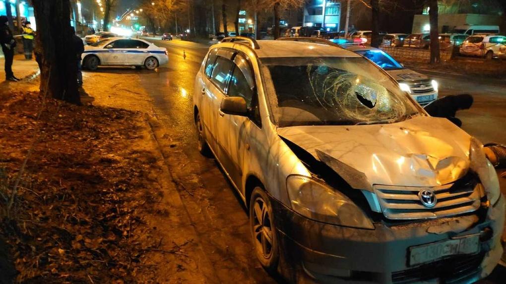 Телом пробил стекло: пожилой мужчина погиб в страшной аварии в Новосибирске