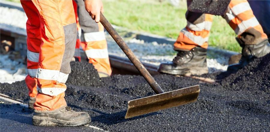 В Омске отремонтировали 144 тротуара и межквартальных проезда