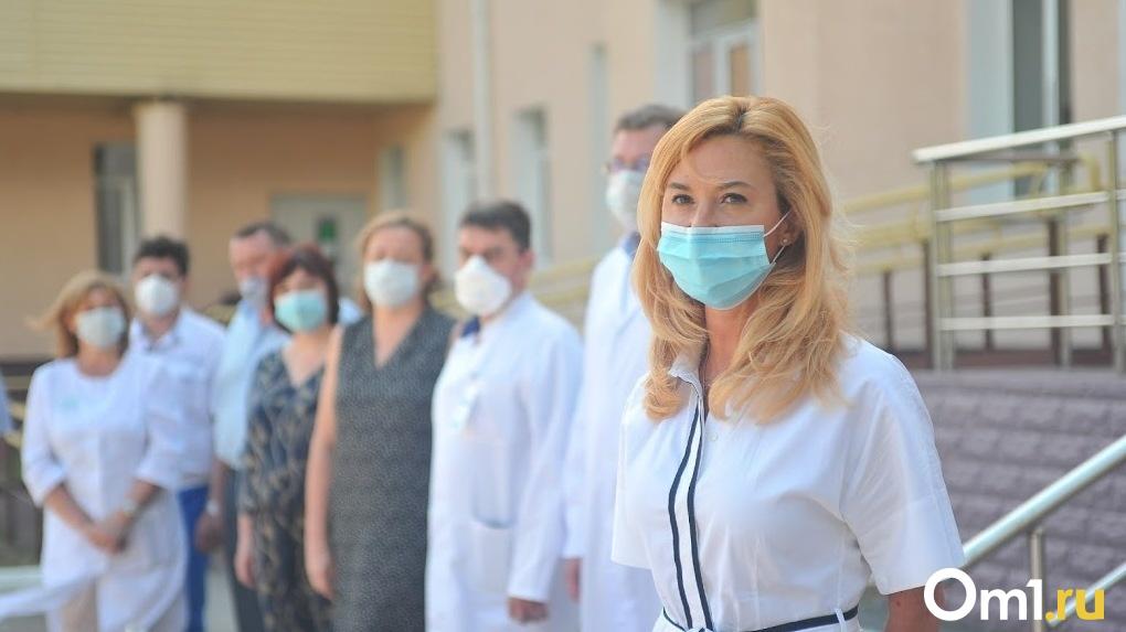 Оставить под арестом. Экс-министра омского Минздрава Ирину Солдатову отправят в СИЗО по прибытии в Россию