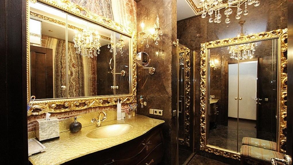 Элитную квартиру с камином для приготовления шашлыка продают в Новосибирске за 45 млн рублей