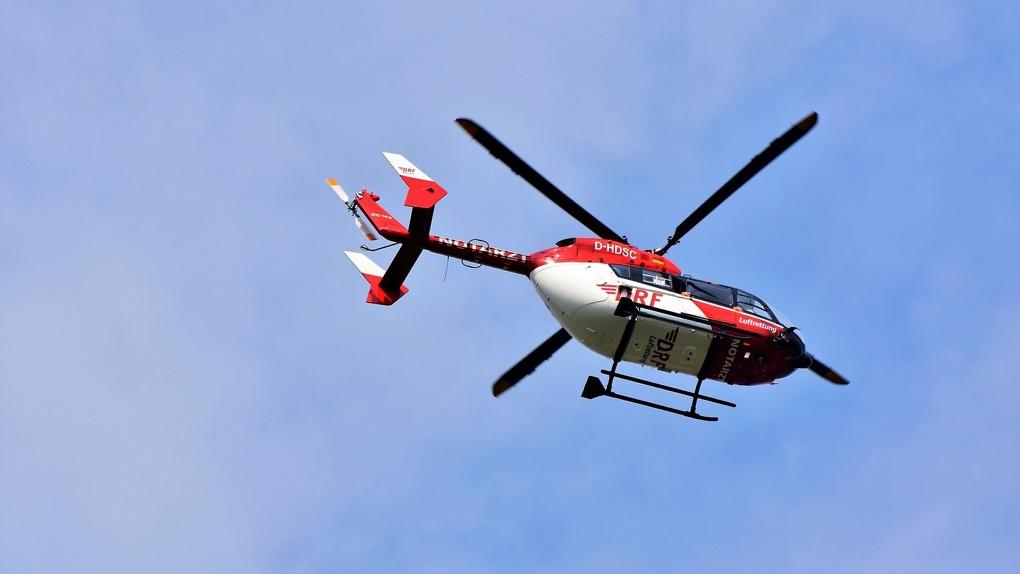 Пошёл чёрный дым: в Новосибирской области ищут следы возможного крушения белого вертолёта