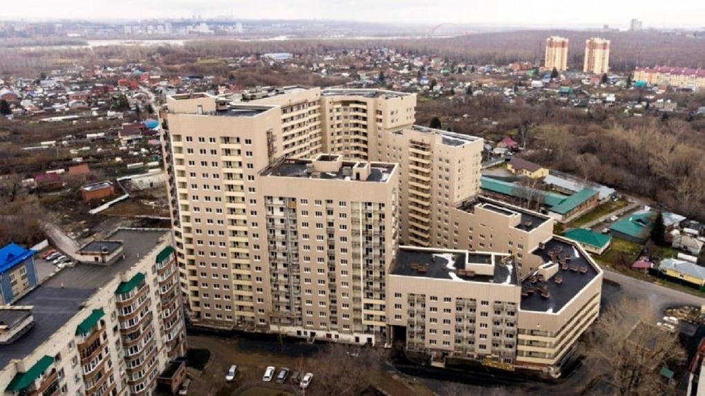 Более 700 обманутых дольщиков крупнейших новосибирских долгостроев получили квартиры