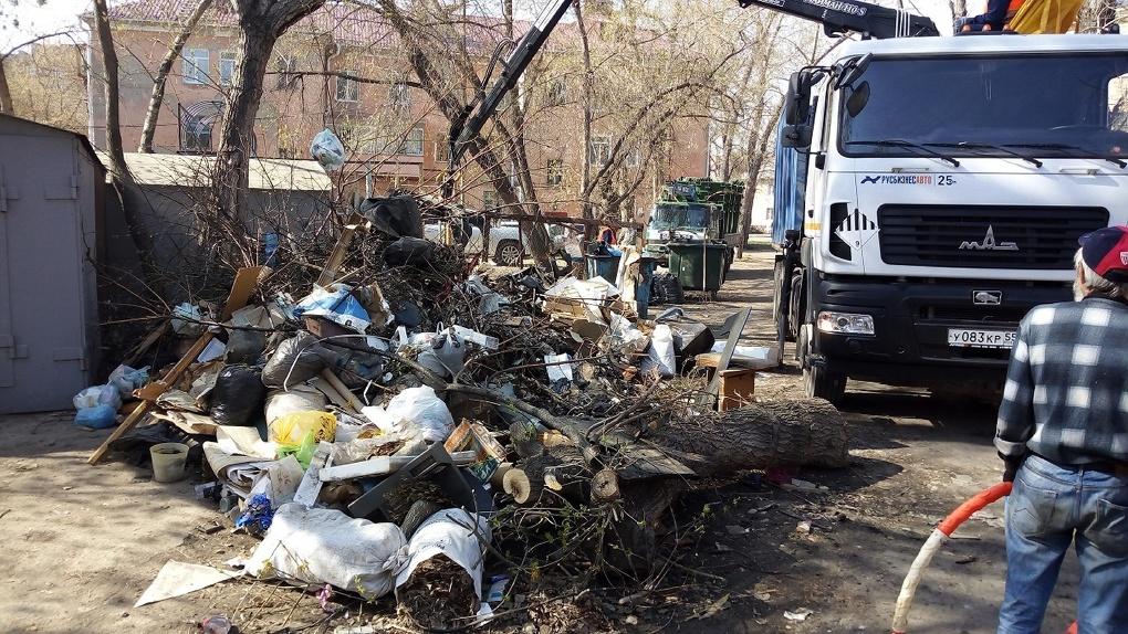 В Омске коронавирус бьет по мусорному регоператору?