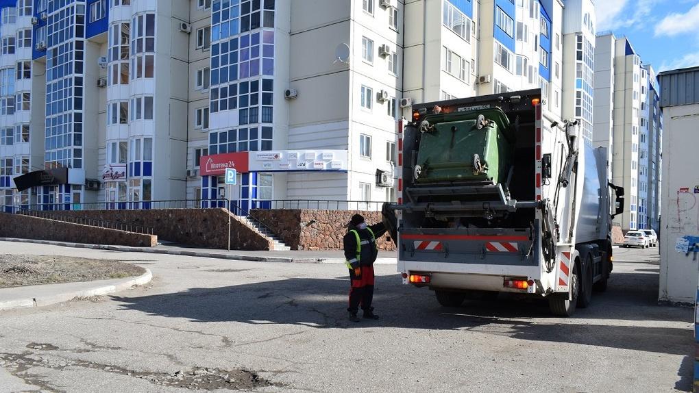 Омский регоператор взыскивает «застарелые» долги с юрлиц, не оплачивающих вывоз мусора