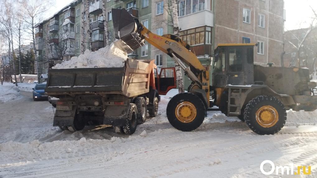 Прокуратура заставила новосибирских дорожников убрать снег с мостов через Обь