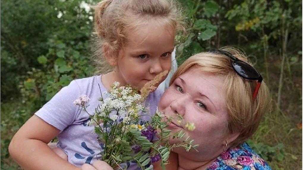 40 тысяч подписчиков за ночь: повар из Новосибирска проснулась популярной благодаря видео по резке лука