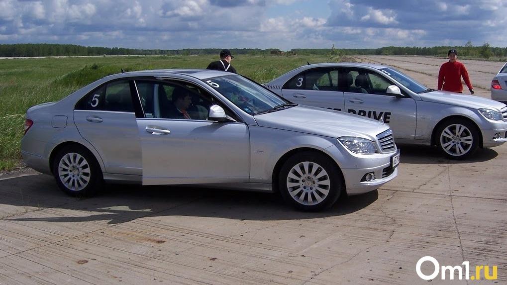Под Омском местный житель дал покататься на машине своему другу, а тот её продал