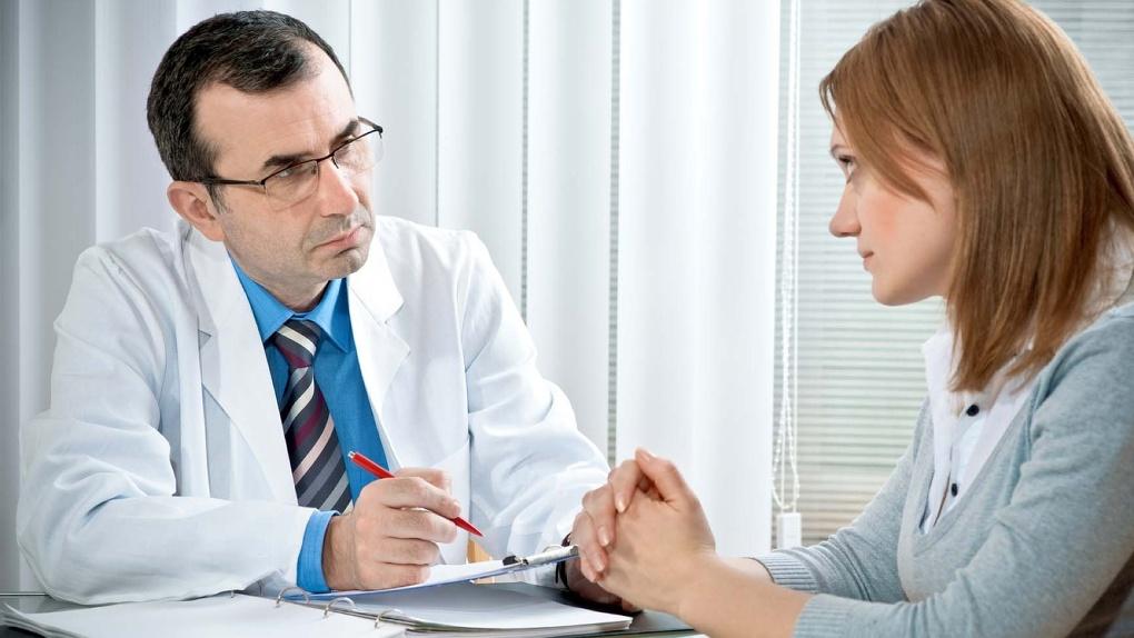 В Омске близкие неизлечимо больных могут получить консультации юристов и психологов