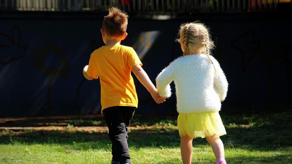 Омичи получат новые выплаты на детей до 31 августа