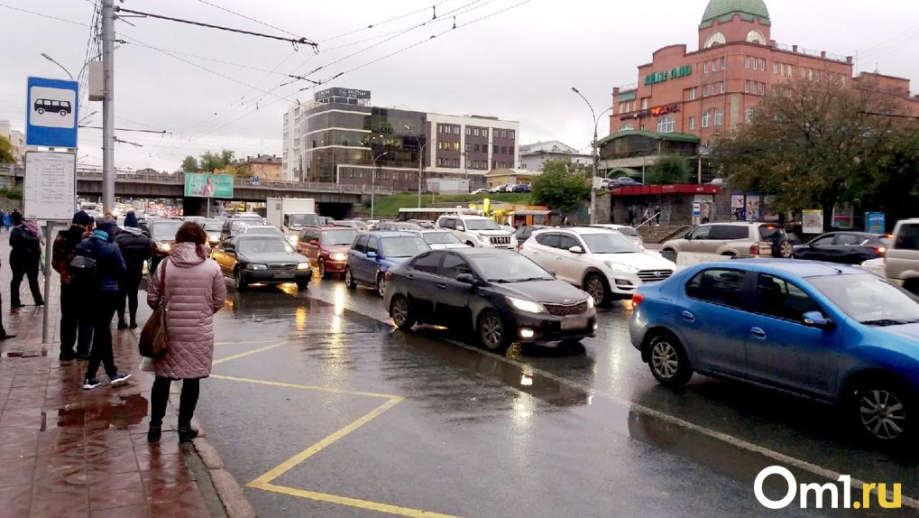 Задохнёмся от газов: эксперт назвал способ ликвидации пробок в центре Новосибирска