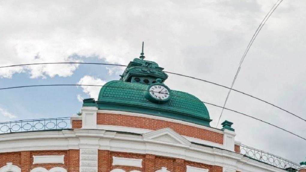 Старинные часы на Ленина починили день в день