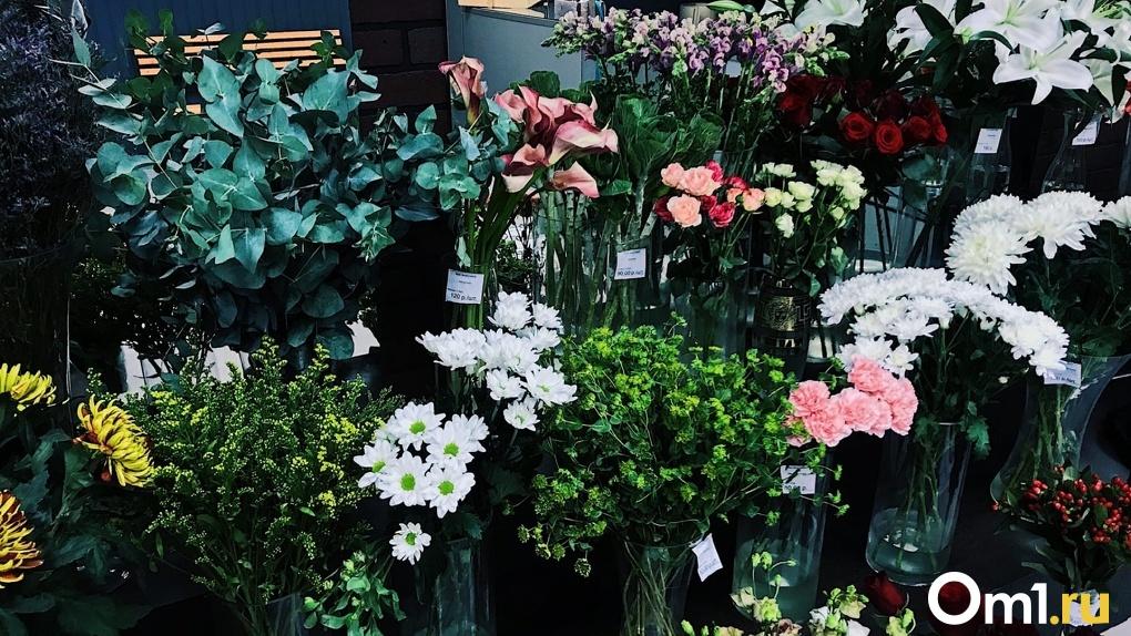 Омич разгромил магазин цветов из-за ссоры с девушкой
