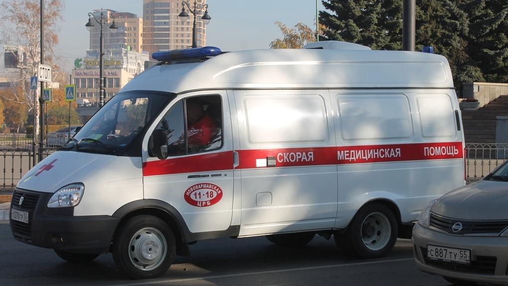 Омские врачи будут получать по 80 тысяч сверх зарплаты