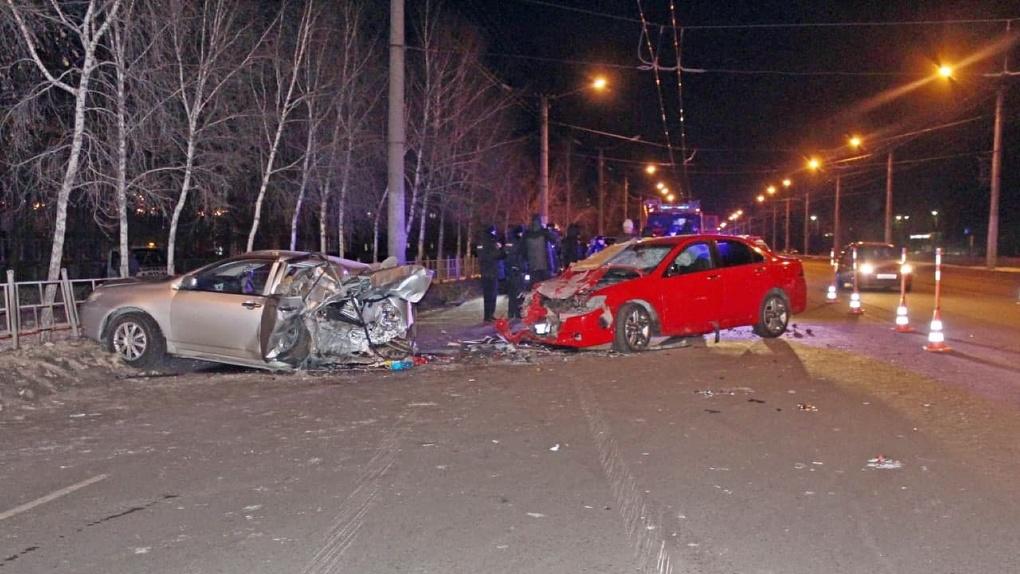 Водитель был пьян и летел со скоростью 120 км/ч. У омички, погибшей в субботнем ДТП, остался 2-летний сын
