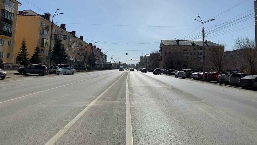Омские чиновники дорого заплатили за дешевый ремонт дворов и проездов