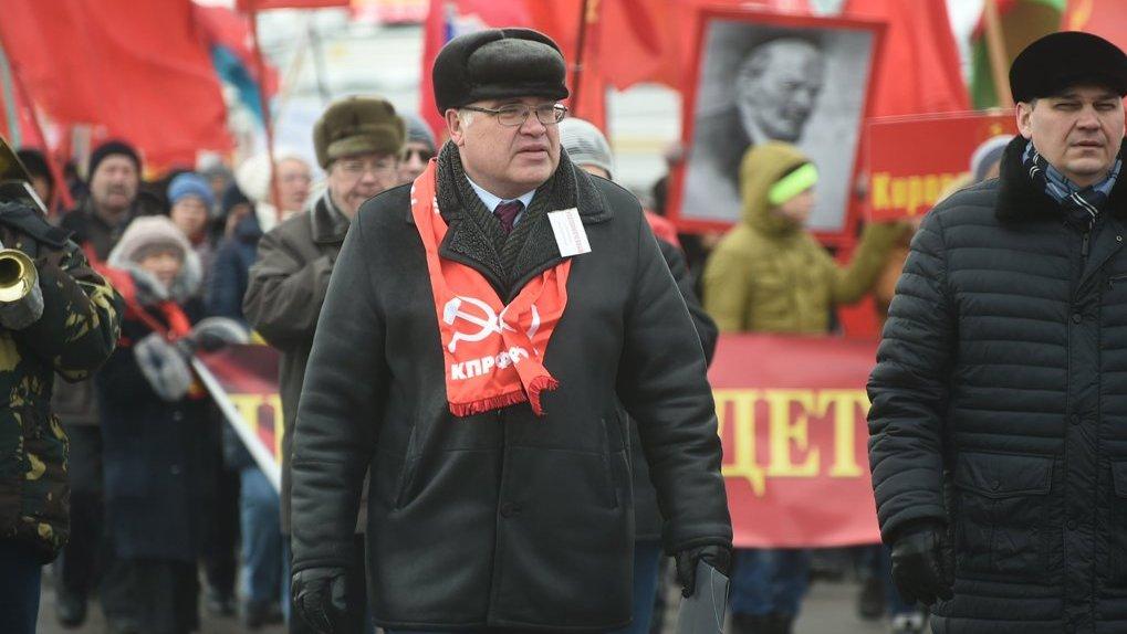 Омским коммунистам пока не удалось снять с выборов своих эпатажных клонов
