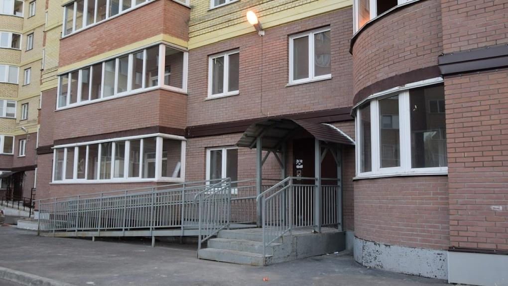 С начала года 117 омских сирот получили ключи от новых квартир