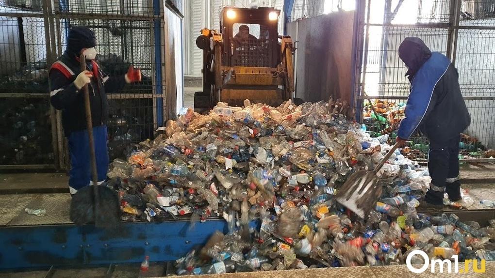 Министр Лобов рассказал, почему тариф на вывоз мусора вырос до 200 рублей с каждого омича