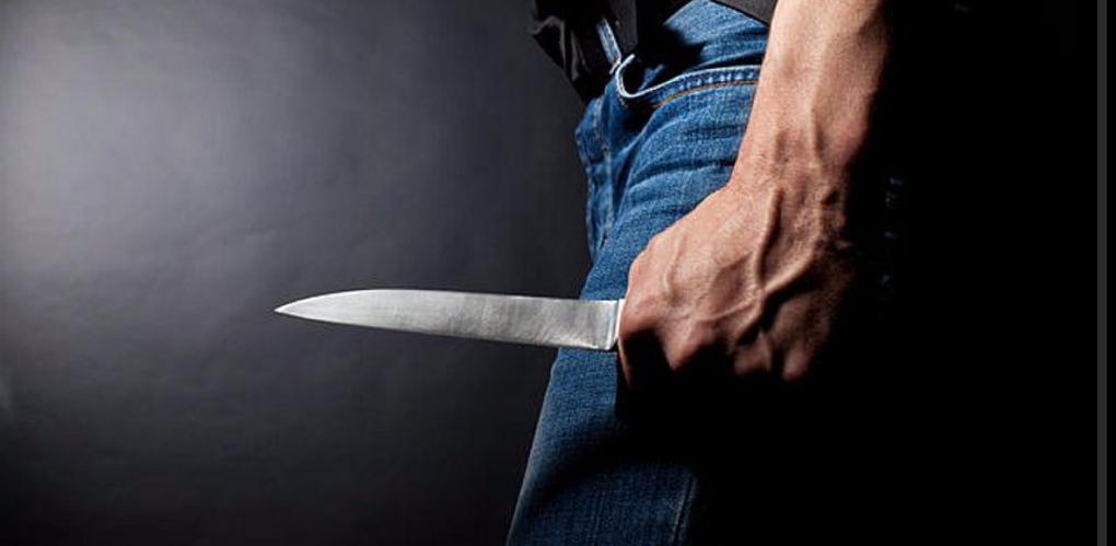 В Омске рецидивисты тяжело ранили ножами случайных прохожих